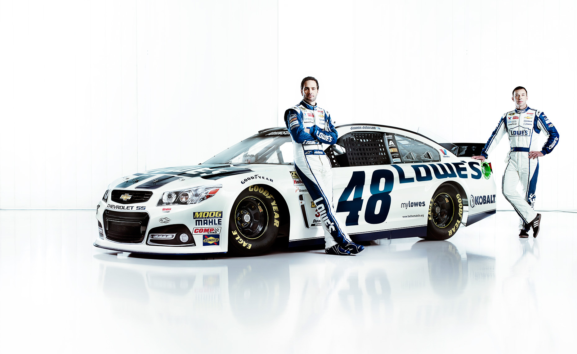 L_LowesTeamRacing2014_jimmieJohnson_ChadKnaus_LowesCarp_A_12